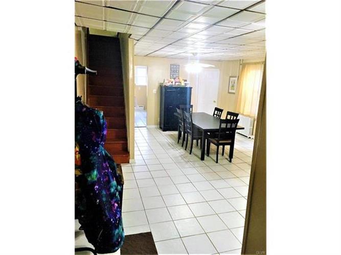 425 West Wilkes Barre Street, Easton, PA - USA (photo 4)