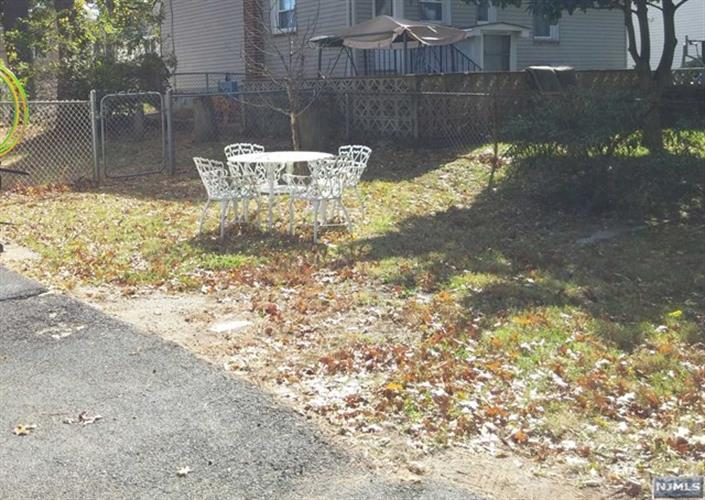 1041 Hussa Street, Linden, NJ - USA (photo 2)