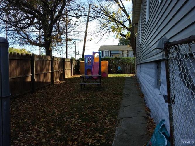1041 Hussa Street, Linden, NJ - USA (photo 3)