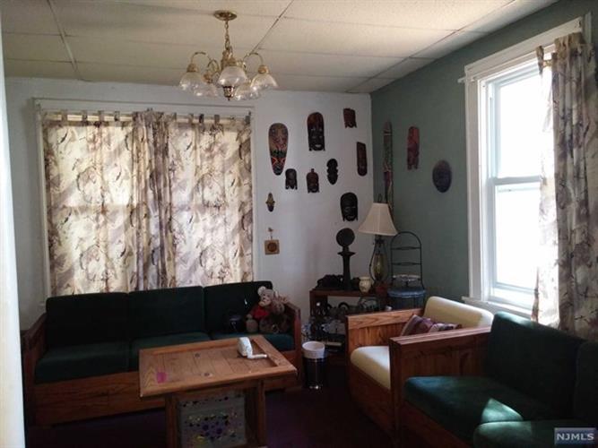 1041 Hussa Street, Linden, NJ - USA (photo 4)