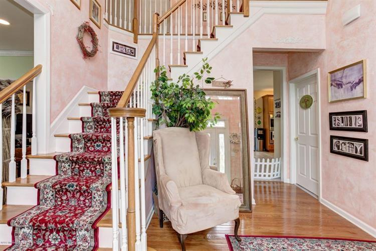 16 Molly Pitcher Road, Marlboro, NJ - USA (photo 2)
