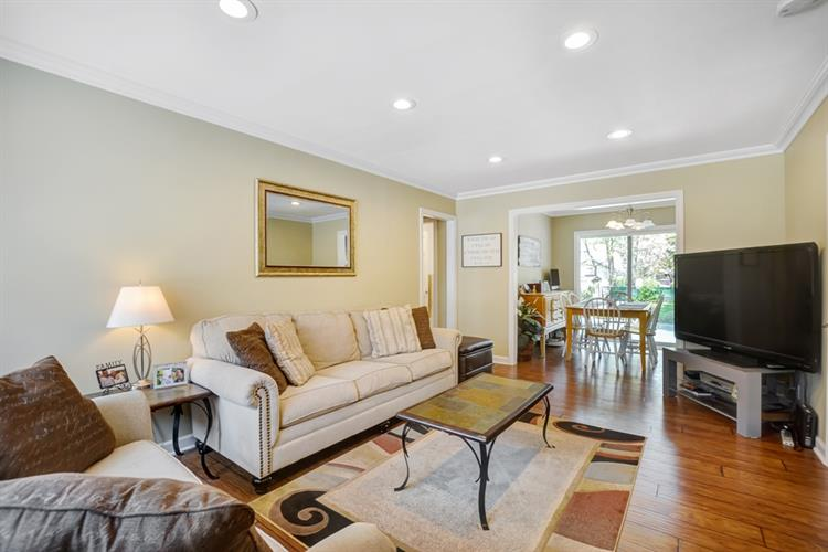18 Valley Brook Drive, Middlesex, NJ - USA (photo 2)