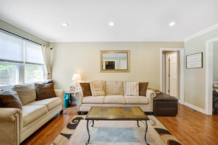 18 Valley Brook Drive, Middlesex, NJ - USA (photo 3)