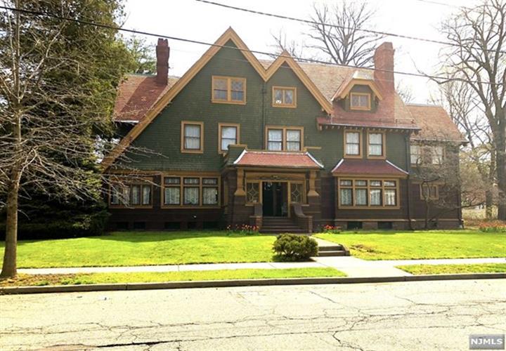 251-263 Derrom Avenue, Paterson, NJ - USA (photo 1)