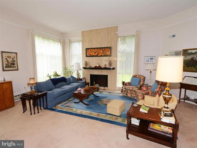 14905 Pennfield Circle 2c, Silver Spring, MD - USA (photo 4)