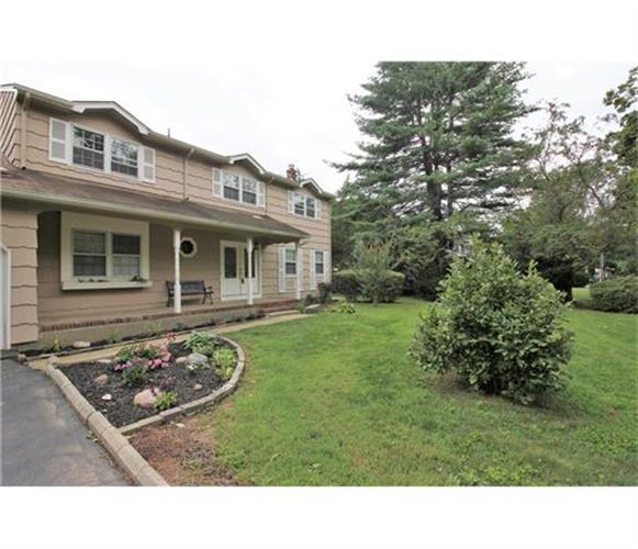 85 Tall Oaks Drive, East Brunswick, NJ - USA (photo 2)