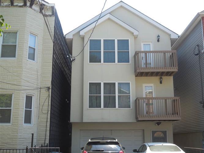 126 Ogden Ave 1st Floo, Jersey City, NJ - USA (photo 2)