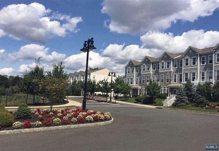 21 Clover Ln, Garfield, NJ - USA (photo 1)