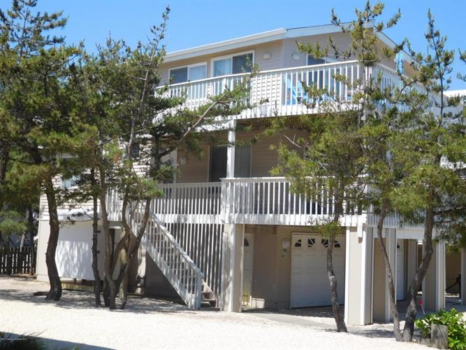 6305 E Long Beach Boulevard, Harvey Cedars, NJ - USA (photo 1)