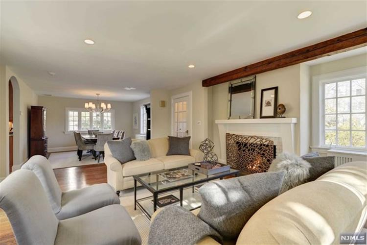 24 Eton Place, Glen Rock, NJ - USA (photo 2)
