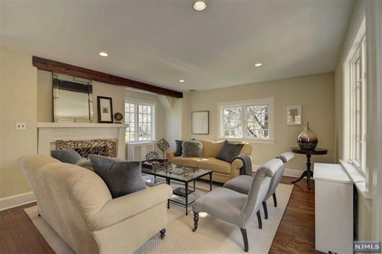 24 Eton Place, Glen Rock, NJ - USA (photo 3)