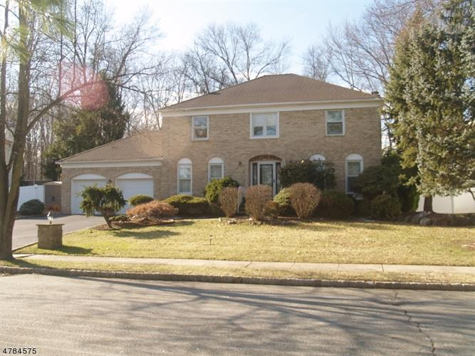 30 Silver Spring Ct, East Hanover, NJ - USA (photo 1)