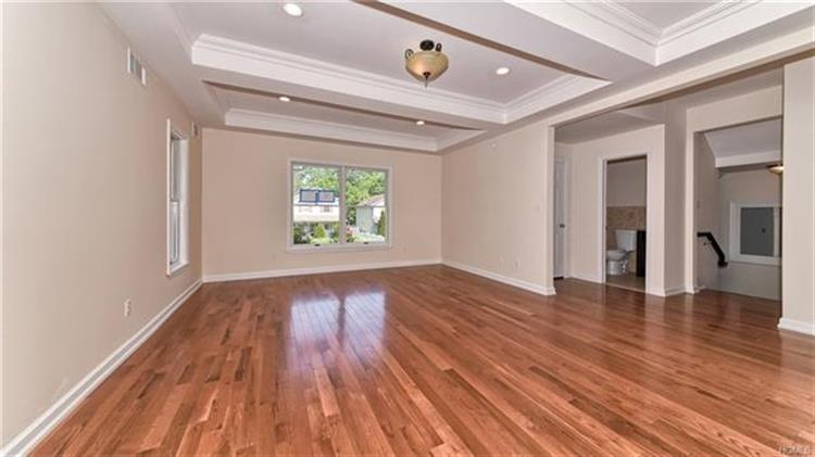 29 Collins Avenue 101, Spring Valley, NY - USA (photo 2)