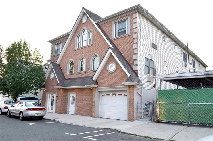 6708-6710 Jackson St 2, Guttenberg, NJ - USA (photo 1)