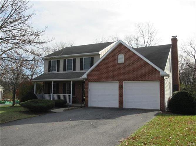 4825 Matts Drive, Hanover Twp, PA - USA (photo 2)