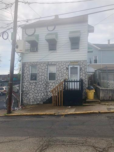 542 Totowa Ave, Paterson, NJ - USA (photo 1)