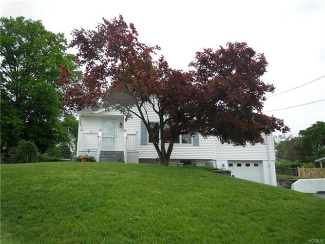 17 Cresthaven Drive, New Windsor, NY - USA (photo 1)