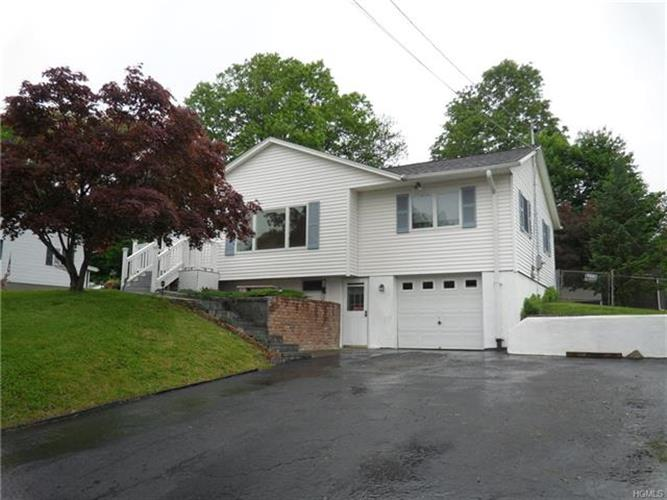 17 Cresthaven Drive, New Windsor, NY - USA (photo 2)