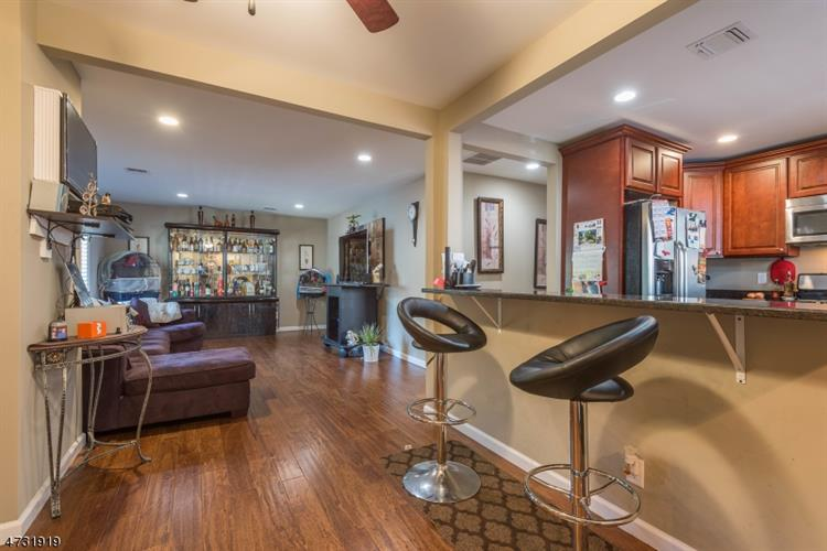 31 Absecon Rd, Parsippany, NJ - USA (photo 2)