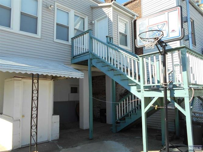 182 Franklin St, Belleville, NJ - USA (photo 2)