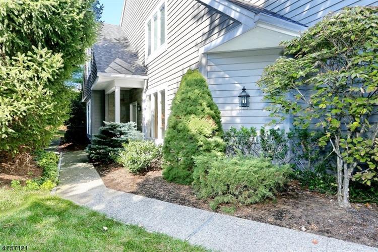 193 Brewster Rd, Wyckoff, NJ - USA (photo 2)