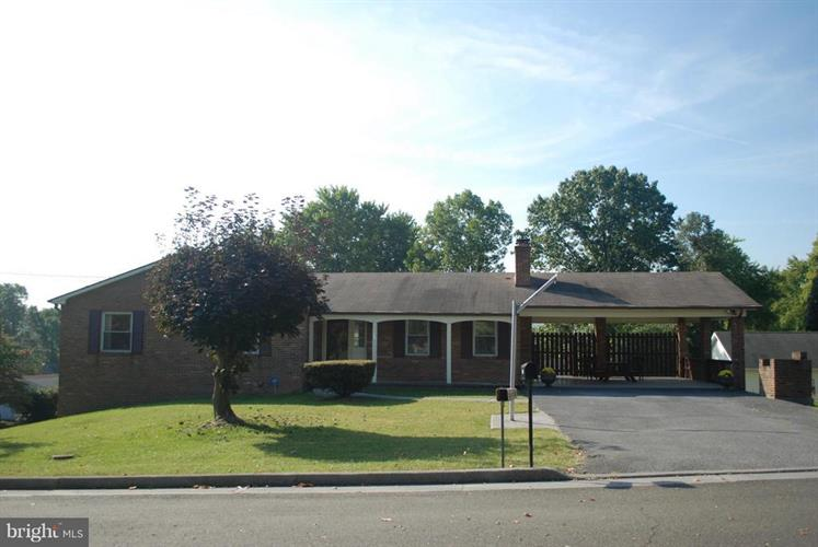 113 16th Street, Front Royal, VA - USA (photo 1)
