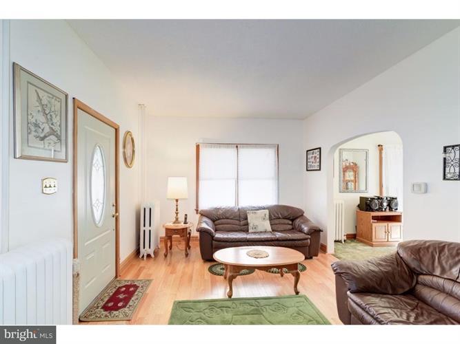 340 W Clayton Avenue, Clayton, NJ - USA (photo 5)