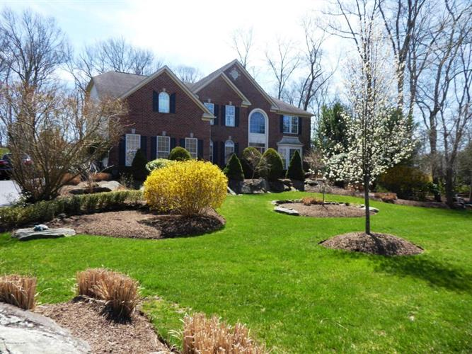 2 Littlefield Drive, Farmingdale, NJ - USA (photo 2)