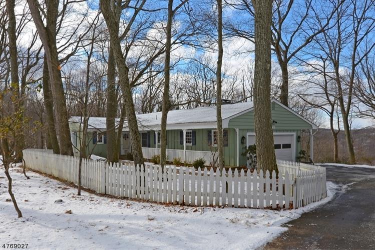 19 Ridge Rd, Tewksbury Township, NJ - USA (photo 1)