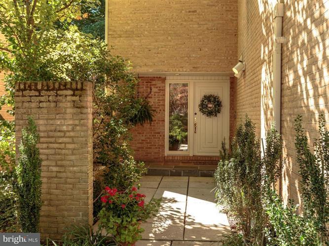 3413 White Oak Court, Fairfax, VA - USA (photo 2)