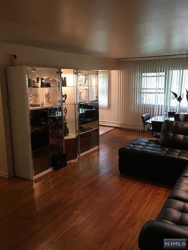7017 Columbia Avenue, Unit 6f 6f, North Bergen, NJ - USA (photo 2)
