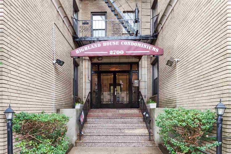 2700 Kennedy Blvd 111, Jersey City, NJ - USA (photo 2)