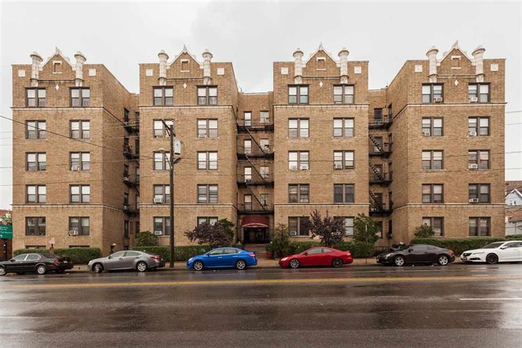 2700 Kennedy Blvd 111, Jersey City, NJ - USA (photo 3)