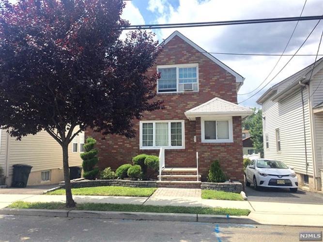 827 8th St, Secaucus, NJ - USA (photo 1)
