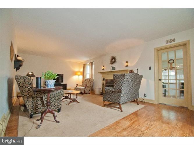 615 Shadeland Avenue, Drexel Hill, PA - USA (photo 3)