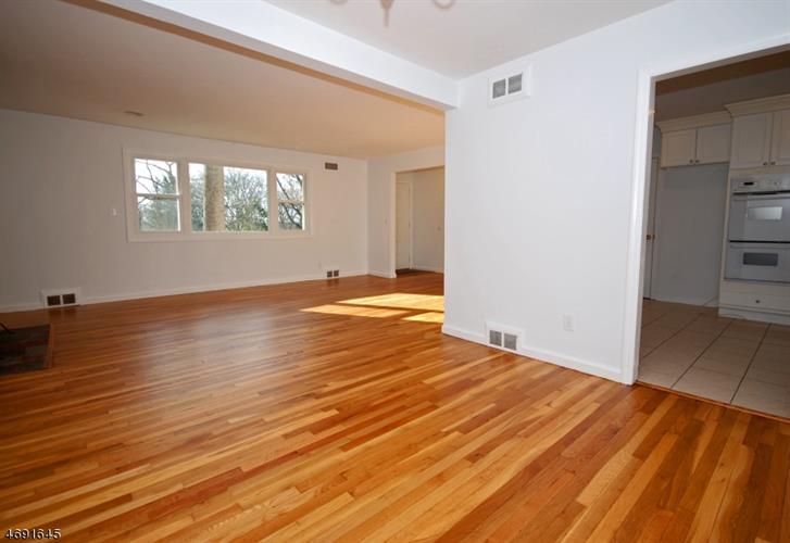440 Timber Dr, Berkeley Heights, NJ - USA (photo 3)