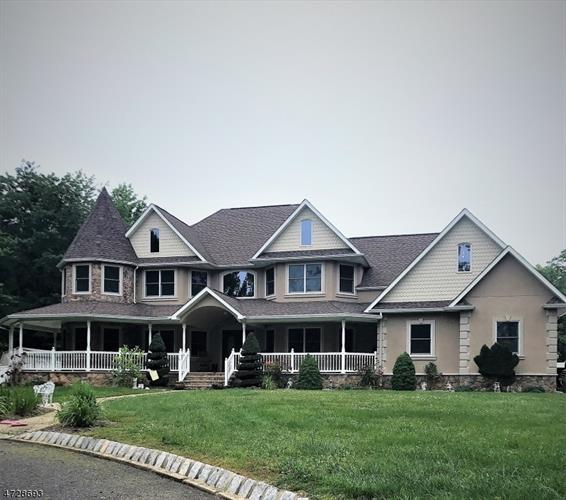 266a Matchaponix Ave, Monroe Township, NJ - USA (photo 1)