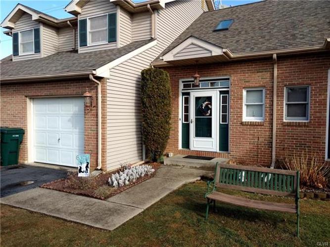 1320 Howard Lane, Palmer Twp, PA - USA (photo 2)