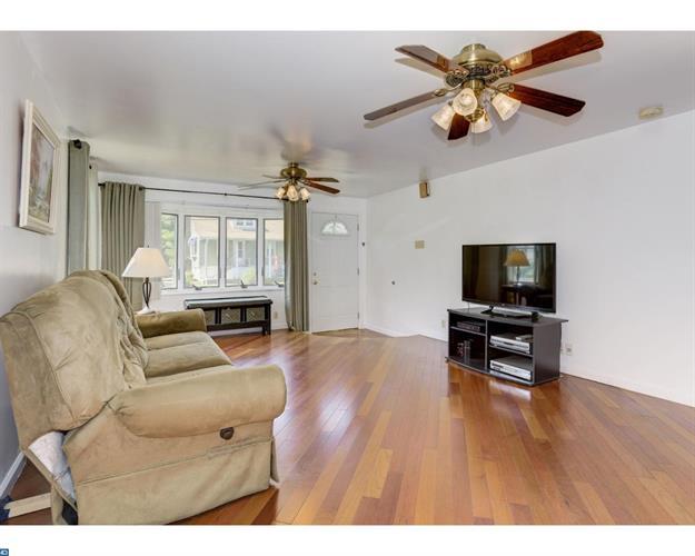 32 Washington Ave, West Collingswood Heights, NJ - USA (photo 5)
