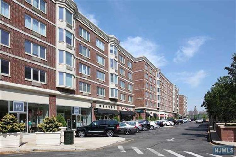 2412 City Place, Edgewater, NJ - USA (photo 1)