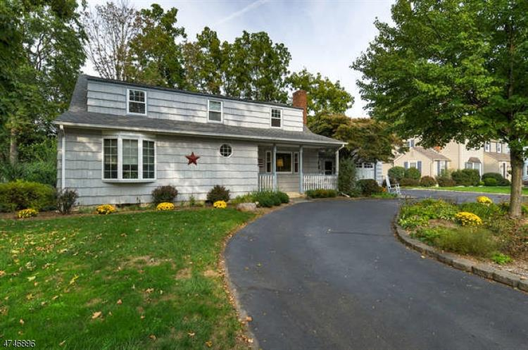20 Winding Way, Morris Plains, NJ - USA (photo 1)