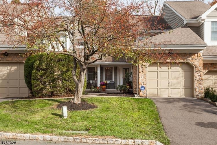62 E Countryside Dr, South Brunswick, NJ - USA (photo 2)