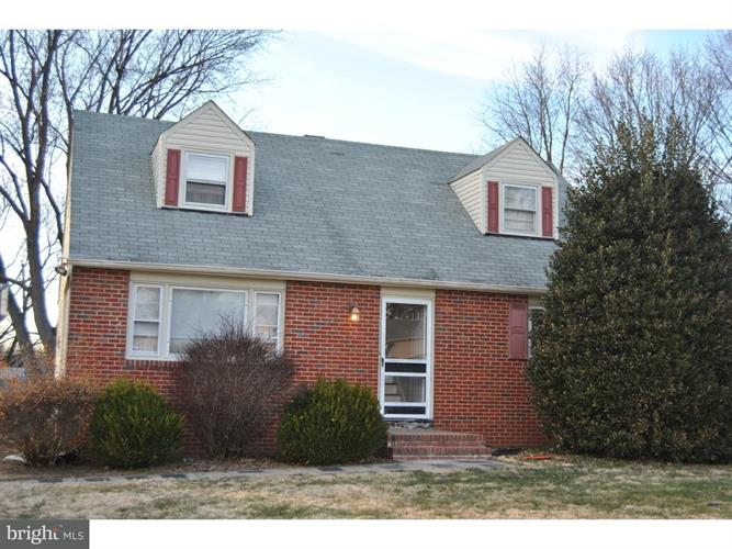 8 Blue Grass Drive, Ewing Twp, NJ - USA (photo 1)