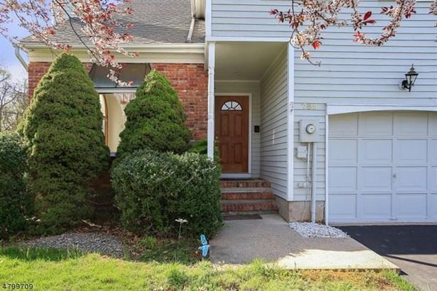 755 Vanessa Ln, Branchburg, NJ - USA (photo 2)