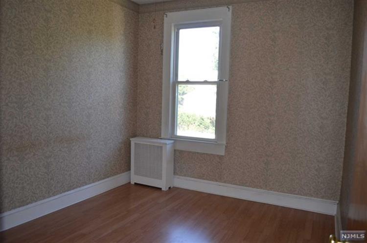 507 Madeline Avenue, Unit #2 2, Garfield, NJ - USA (photo 5)