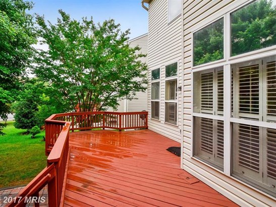 8913 Garden Gate Dr, Fairfax, VA - USA (photo 2)
