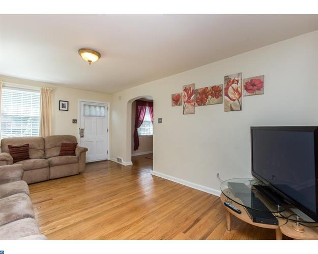 229 Fairview Rd, Springfield, PA - USA (photo 4)