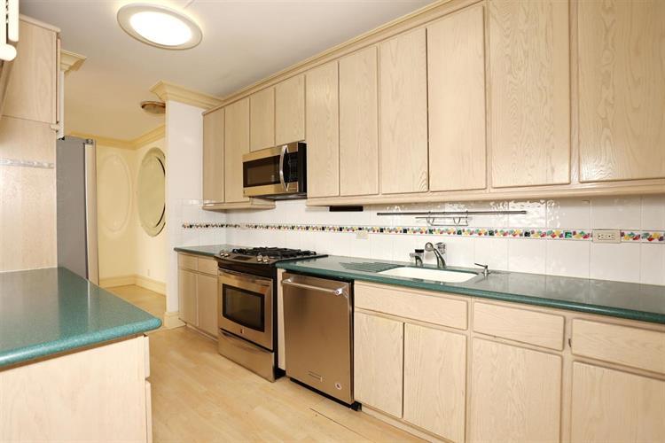 7002 Blvd East, Unit 43a 43a, Guttenberg, NJ - USA (photo 5)
