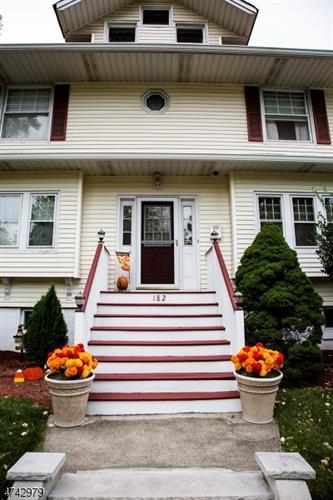 182 Valley Rd, Montclair, NJ - USA (photo 4)