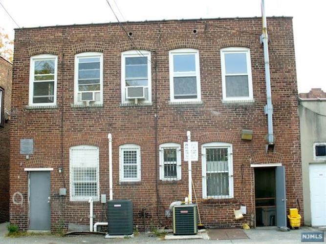 340 Broad Avenue, Unit #1 1, Leonia, NJ - USA (photo 2)